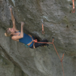 "Lena Herrmann klettert ""Battle Cat"" 8c+"